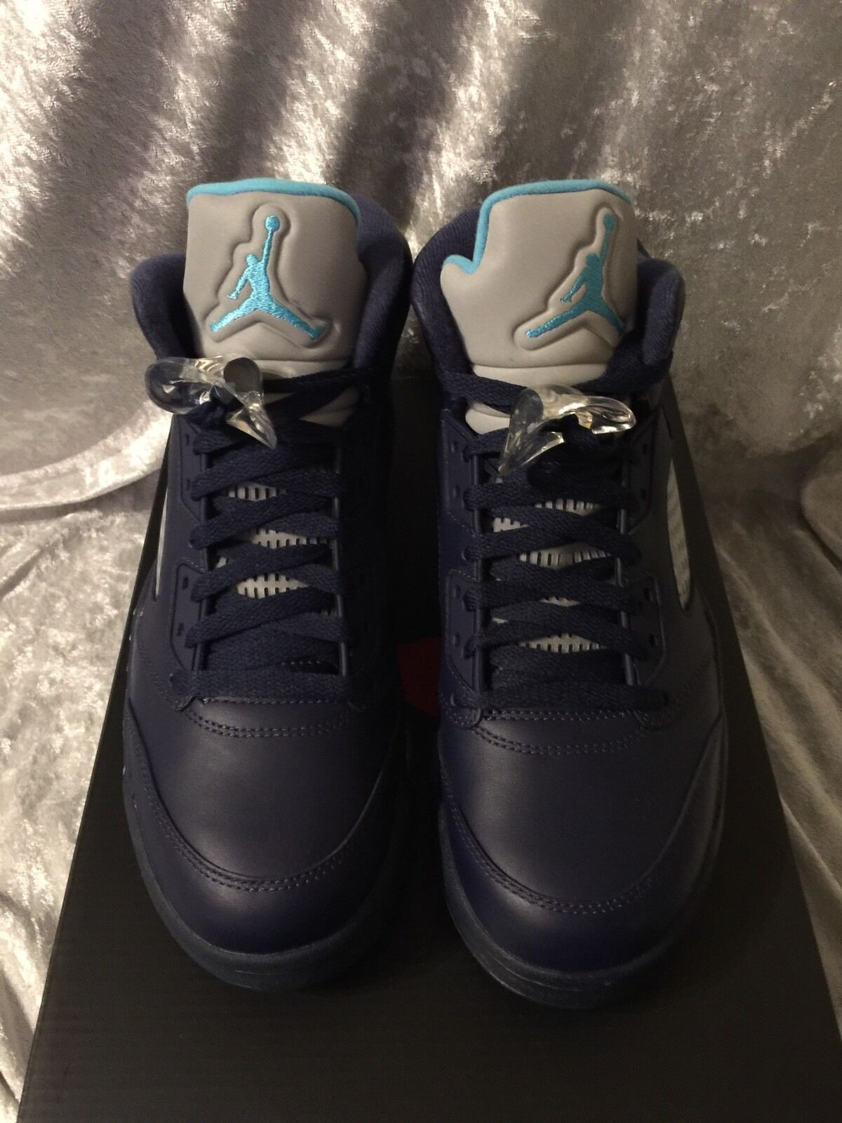 Nike Jordan 5 Retro Hornets Size 8.5