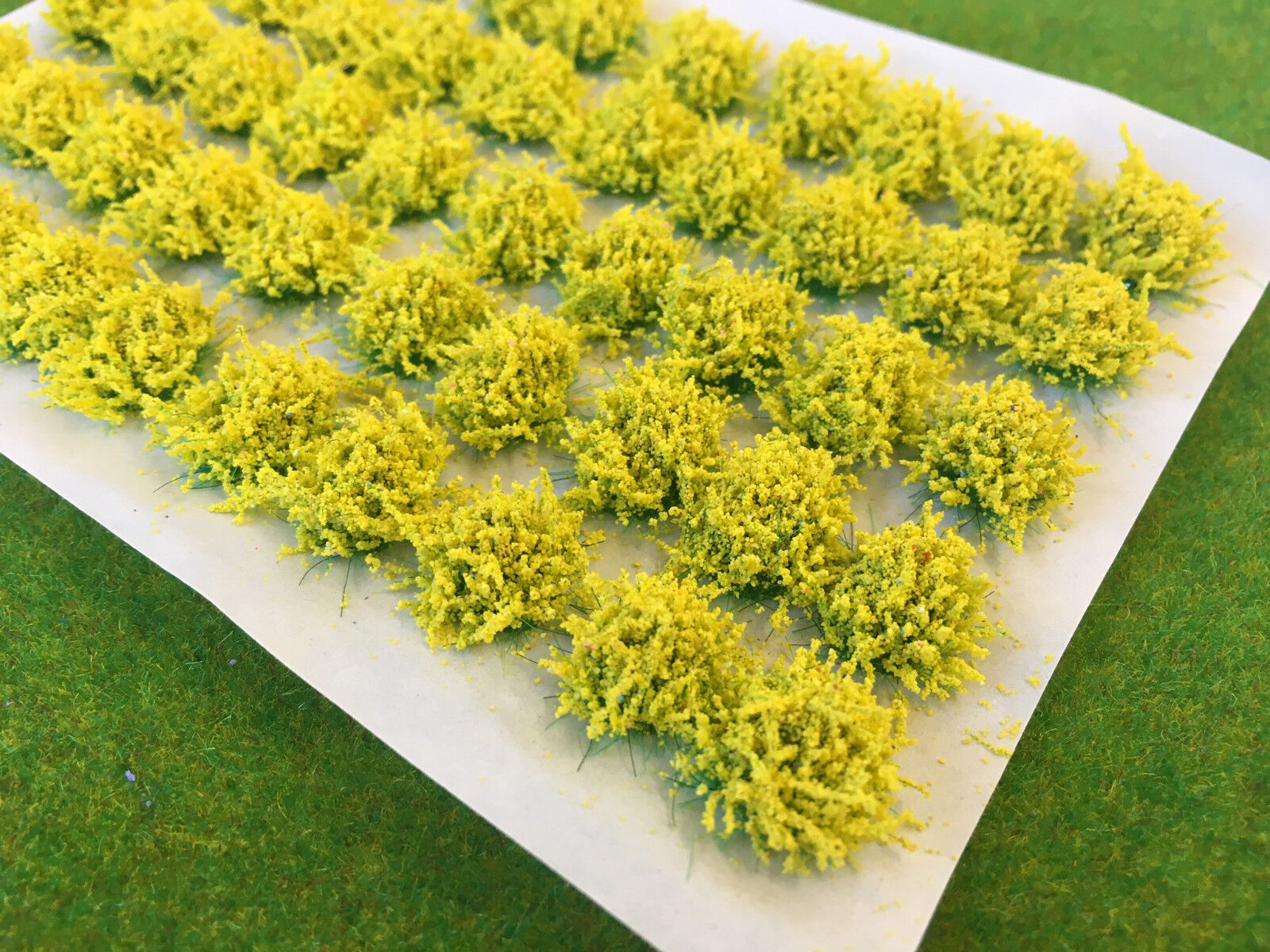 Large Yellow Flower Tufts Model Scenery Static Grass Warhammer Wargame Daffodil