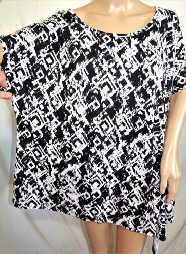 Lexington Avenue Women Plus Size 1x 2x 3x Black White Asym Tunic Top Blouse