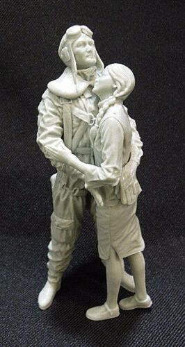 116 scale 120mm SinoJapanese war Chinese fighter pilot & girl friend.
