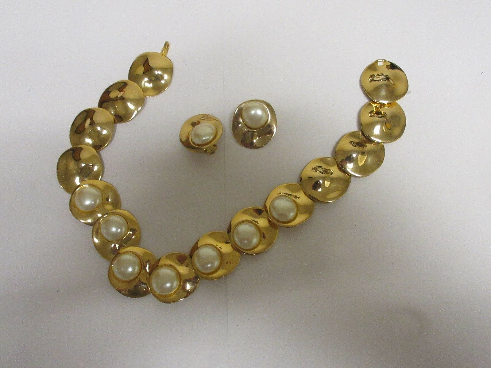 """Costume Jewelry , Vintage , Necklace (16"""") ,Gold / Pear"""