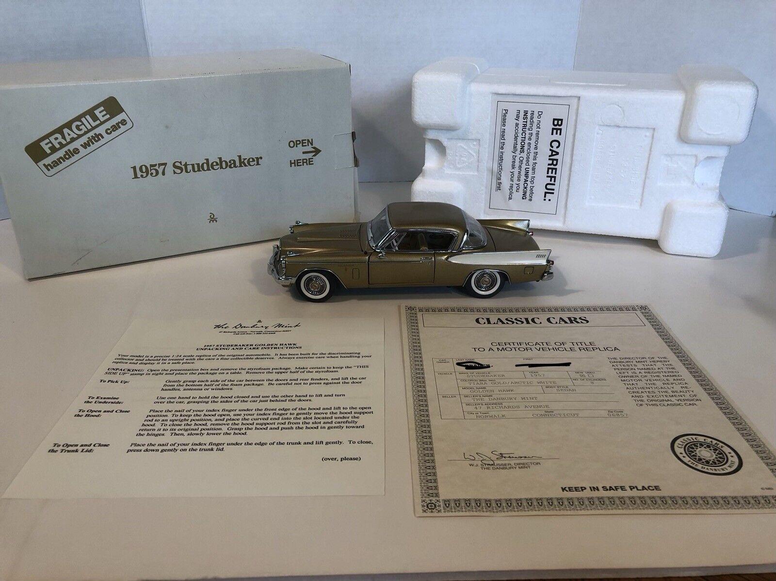 Danbury como nuevo 1957 Studebaker oroen Hawk Modelo oro oro oro 1 24 Scale Die Cast 16b90c