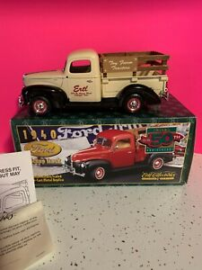 Collectible Ertl 1:25 Scale Model 1940 Ford Pickup Truck Prestige Series  NIB