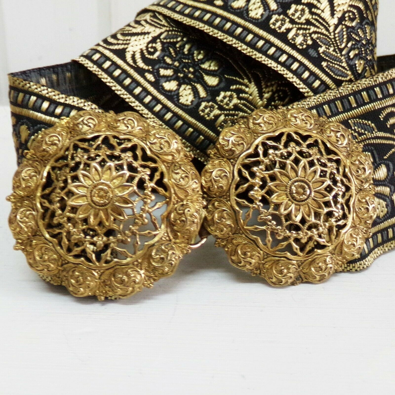 Antique victorian Filigree flower brass metal vintage buckle ornated interlock