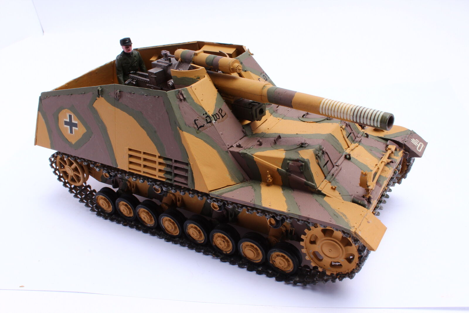 Tank Howitzer Hummel ( Sd. Car 165) Lion 2. Wk