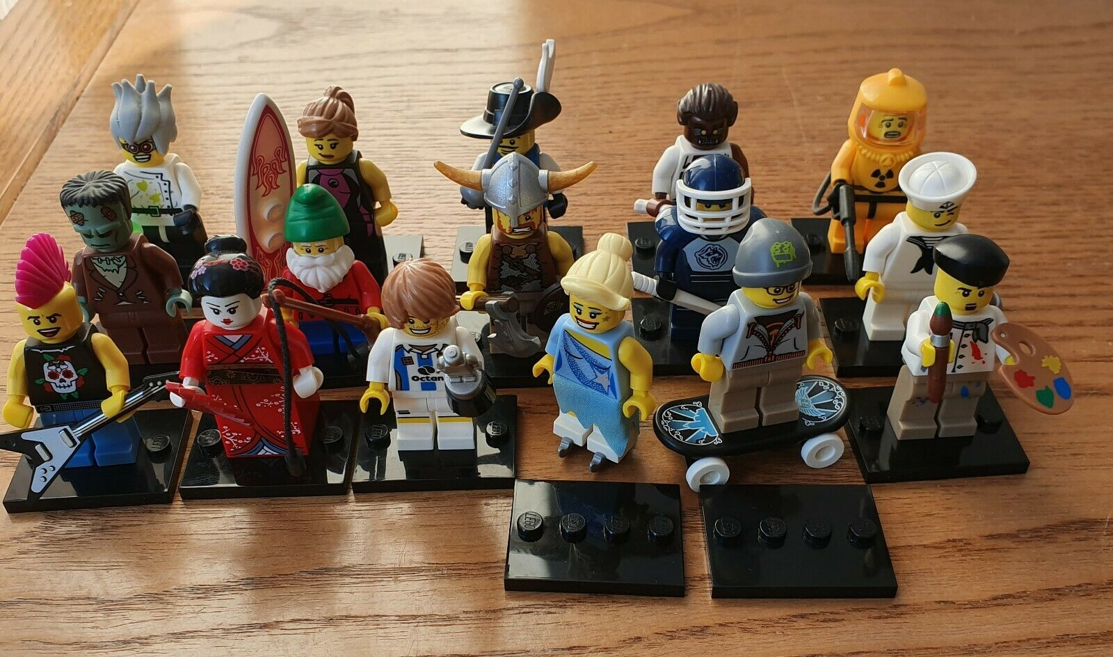NEW LEGO MINIFIGURE SERIES 4 FULL SET OF 16 MINIFIGURES NEW