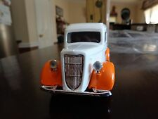1936 FORD PANEL VAN TRUCK UNIVERSITY OF TENNESSEE  UT VOLS LTD ED BANK 1/25 ERTL