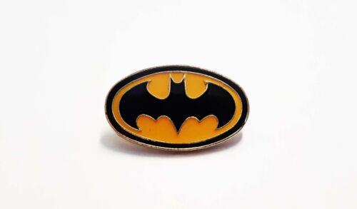 Superhero Marvel Darkhorse BATMAN ENAMEL PIN BADGE