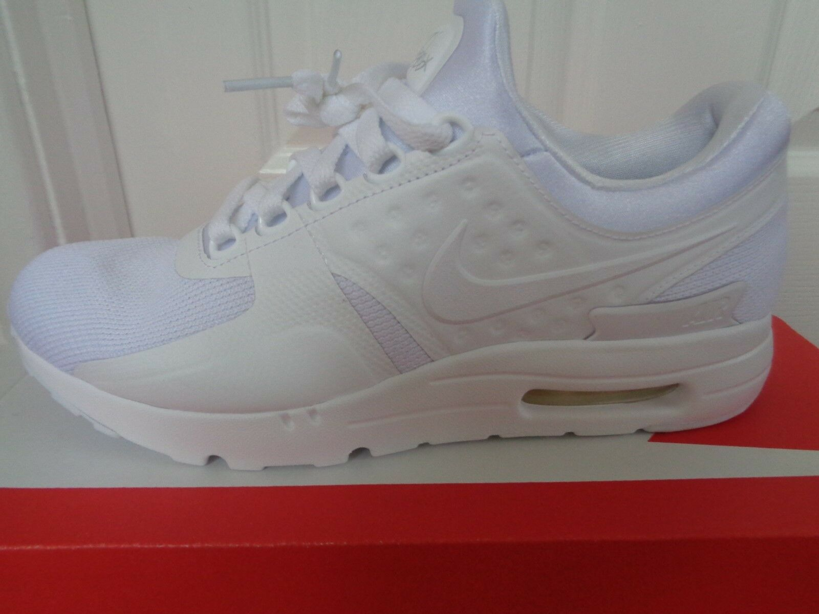 Nike Air Max Zero essential trainers shoes 876070 100 eu 39 us 6.5 NEW+BOX