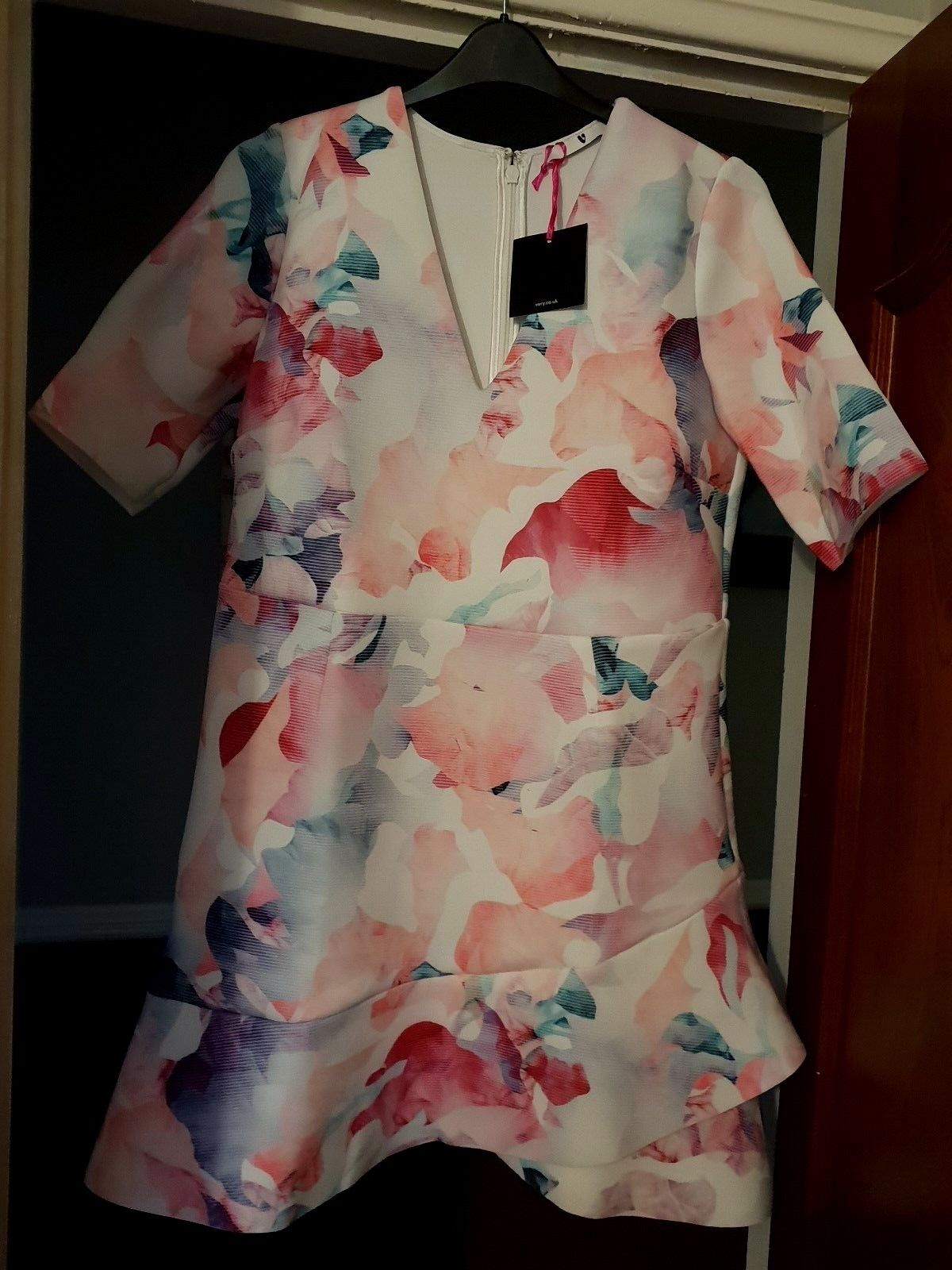 WOMENS VERY RACES WEDDING OCCASION PARTY ETC SCUBA DRESS  LADIES SIZE 18  NEW