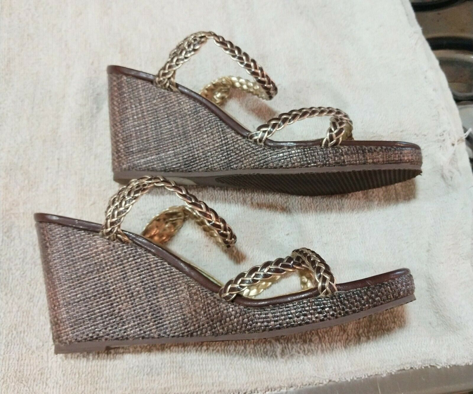 TOMMY HILFIGER WOMENS GOLD WEDGES SANDALS SHOES S… - image 3