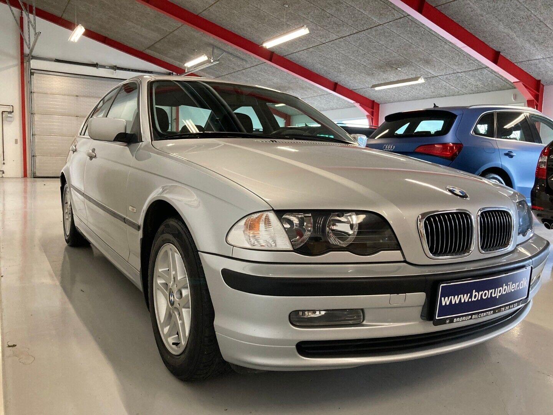 BMW 320i 2,0  4d - 69.900 kr.