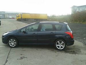 Peugeot-308-SW-ONLY-6200-MILES