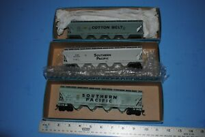 3-Athearn-HO-3-BAY-COVERED-HOPPERS-Southern-Pacific-SP-Cotton-Belt-SSW