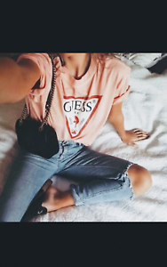 Guess-Oversized-Vintage-Triangle-Logo-Womens-T-shirt