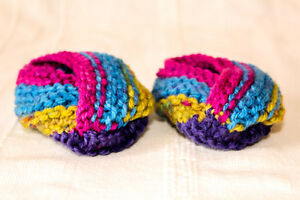 Baby-Booties-Shoes-3-6-Months-Hand-Knitted-in-Lovely-Colours-Free-P-amp-P