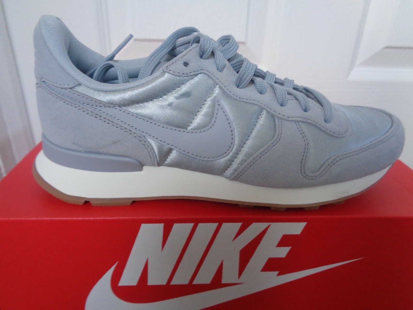 Nike Internationalist Damenss Turnschuhe trainers Turnschuhe Damenss 828407 018 uk 5.5 eu 39 us 8 NEW 956805