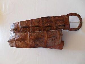 Belt-plug-crocodile-Madagascar-single-Cm-102-about-1975