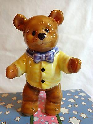 Michael's Bears BEAR HUGS Figurine Michael Hague 960675 Enesco 1997