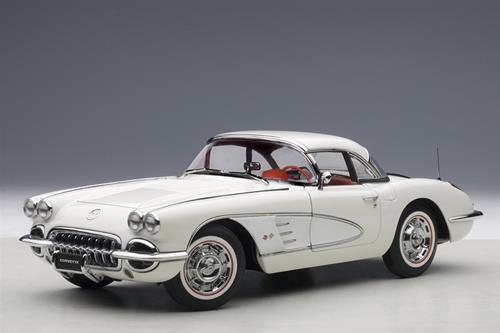 À la fin de l'année, je je je re erai à l'événeHommes t. Chevrolet Corvette Spider Hard-Top 1958 Autoart 1:18 AA71147   Conception Habile  bb38b9