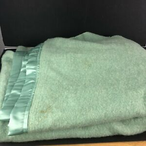 Vintage Wool Blanket Green Throw Satin Trim Bedding 68 X 88 Ebay