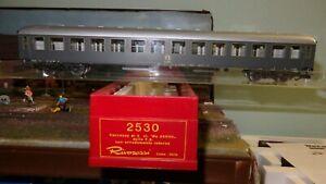 RIVAROSSI-Italia-2530-carrozza-livrea-grigia-ardesia-2cl-FS