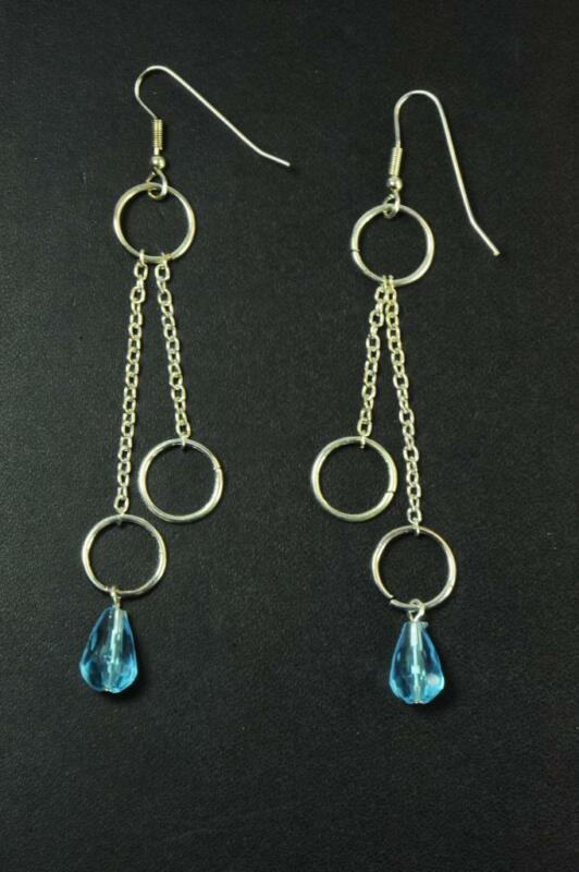 Unique Silver Hooped Earrings With Clear Bright Blue Gemstone (zx5)