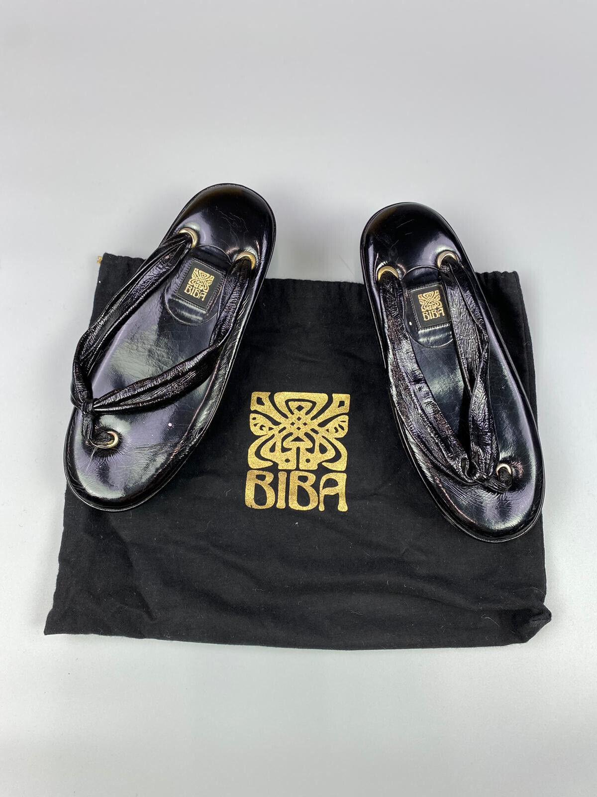 (boxed) Authentique BIBA Noir Patent Wedge Sandales. Eur 40/UK 7