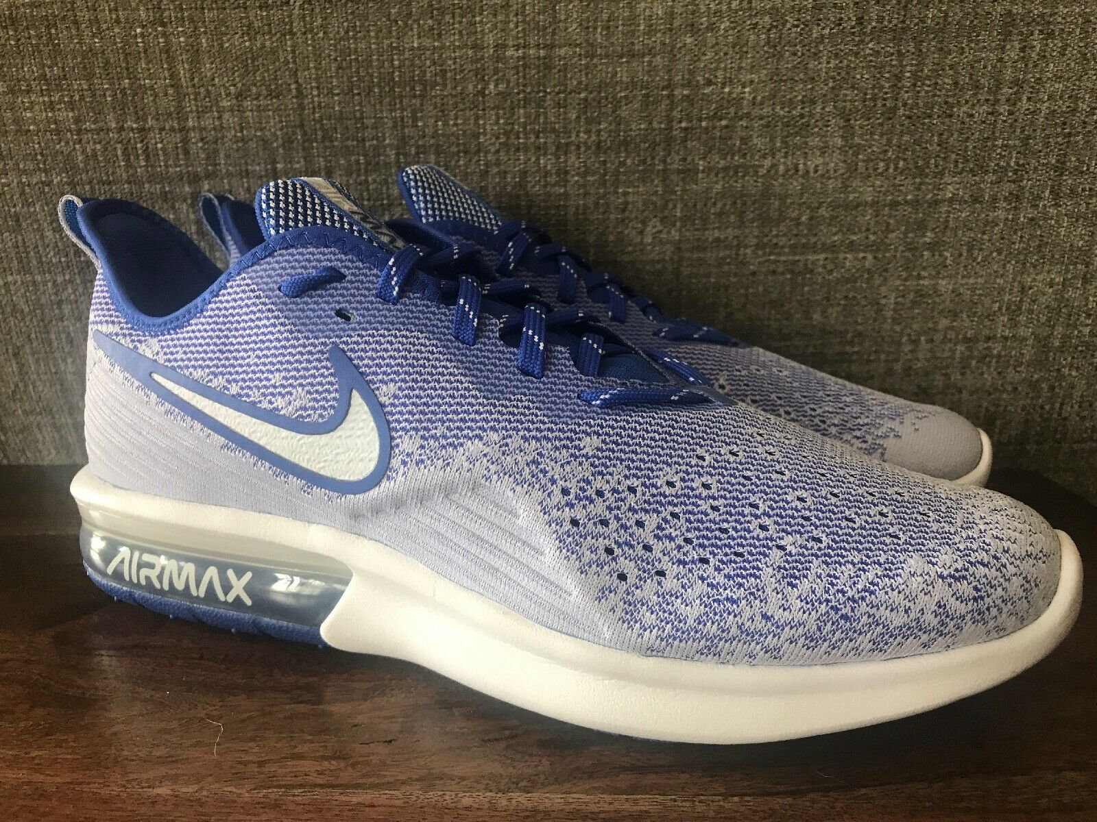 Nike Men's Air Max Sequent 4 Running shoes White blueee Size 10.5 AO4485-104