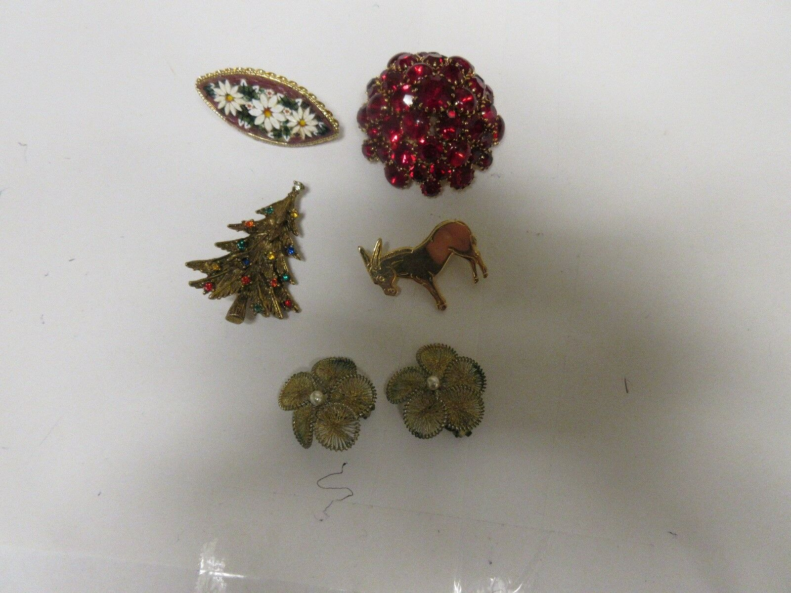 Costume Jewelry ,Vintage, Pins, 4 ,Mixed Styles , Mixed