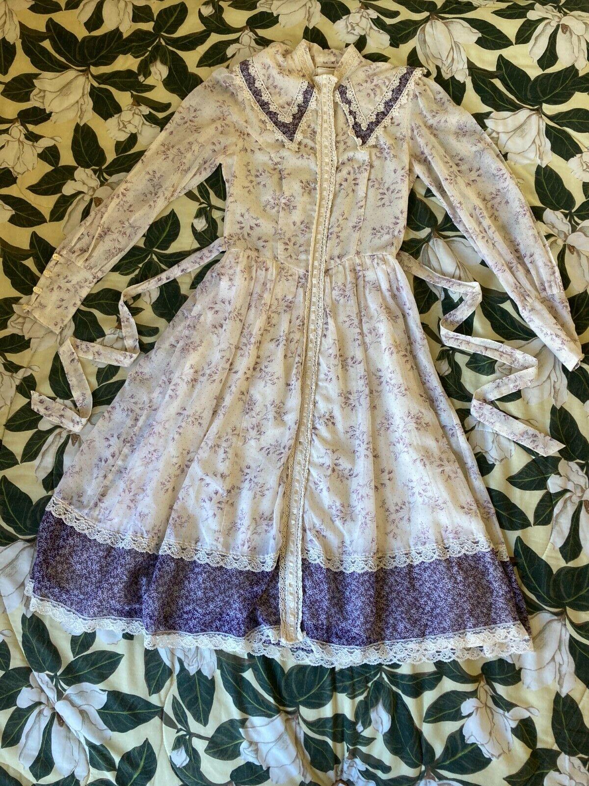 Vintage Prairie Gunne Sax Lavender White Dress - image 1