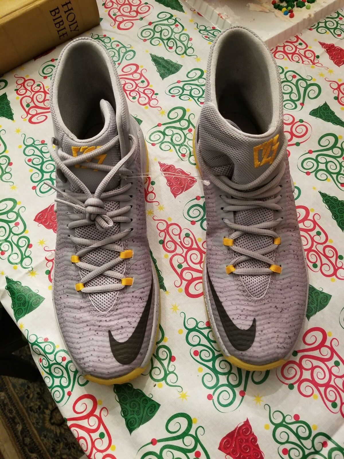 UNIVERSITY GREY WOLF SHOE BASKETBALL MENS PE OUT CLEAR ZOOM