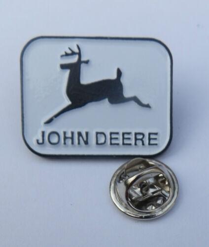 Insignia Pin Raro-John Deere Tractor #2