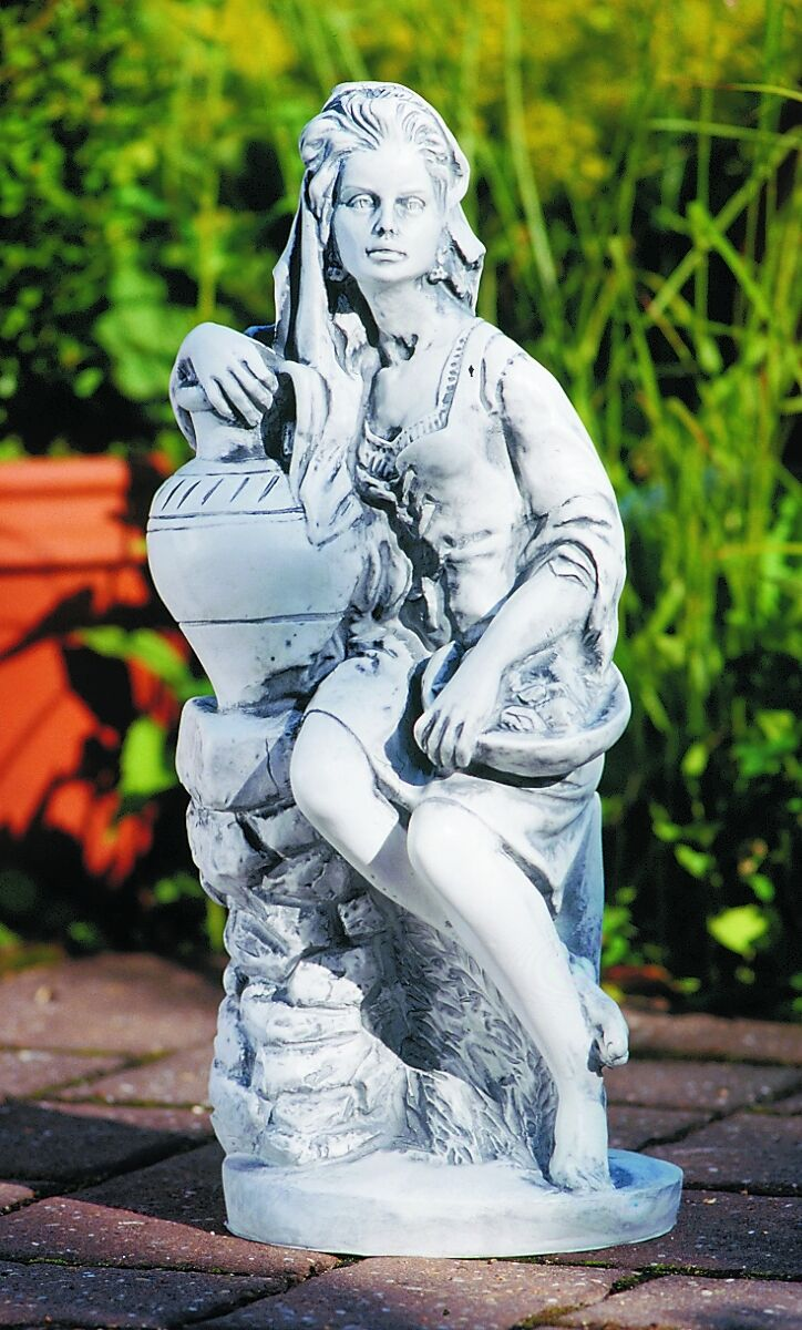 Skulptur gartenfigur fruttina steinnachbildung aus for Gartenfiguren tiere kunststoff