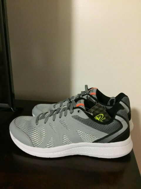 BRAND NEW MEN'S SIZE 10 ATHLETIC WORKS ATHLETIC SHOES