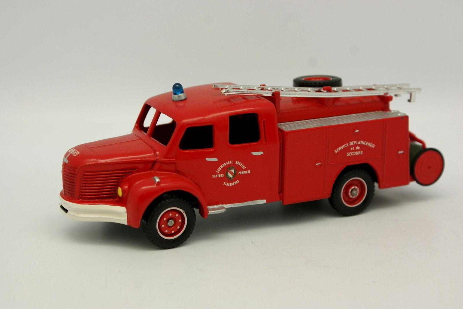 Dinky Code 3 1 43 - Berliet GLR Pompiers Strasbourg
