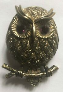 Owl-sitting-on-a-branch-gold-tone-brass-brooch