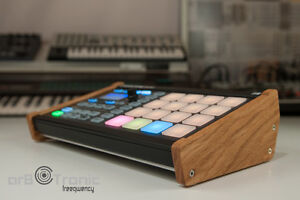 Native-Instruments-Maschine-Micro-MK1-MK2-Real-Wood-Side-Panel-Stand-Stand-Lo