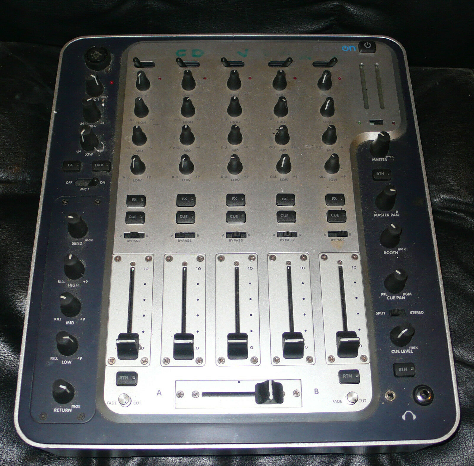 MIXER DJ   CLUB STANTON M505