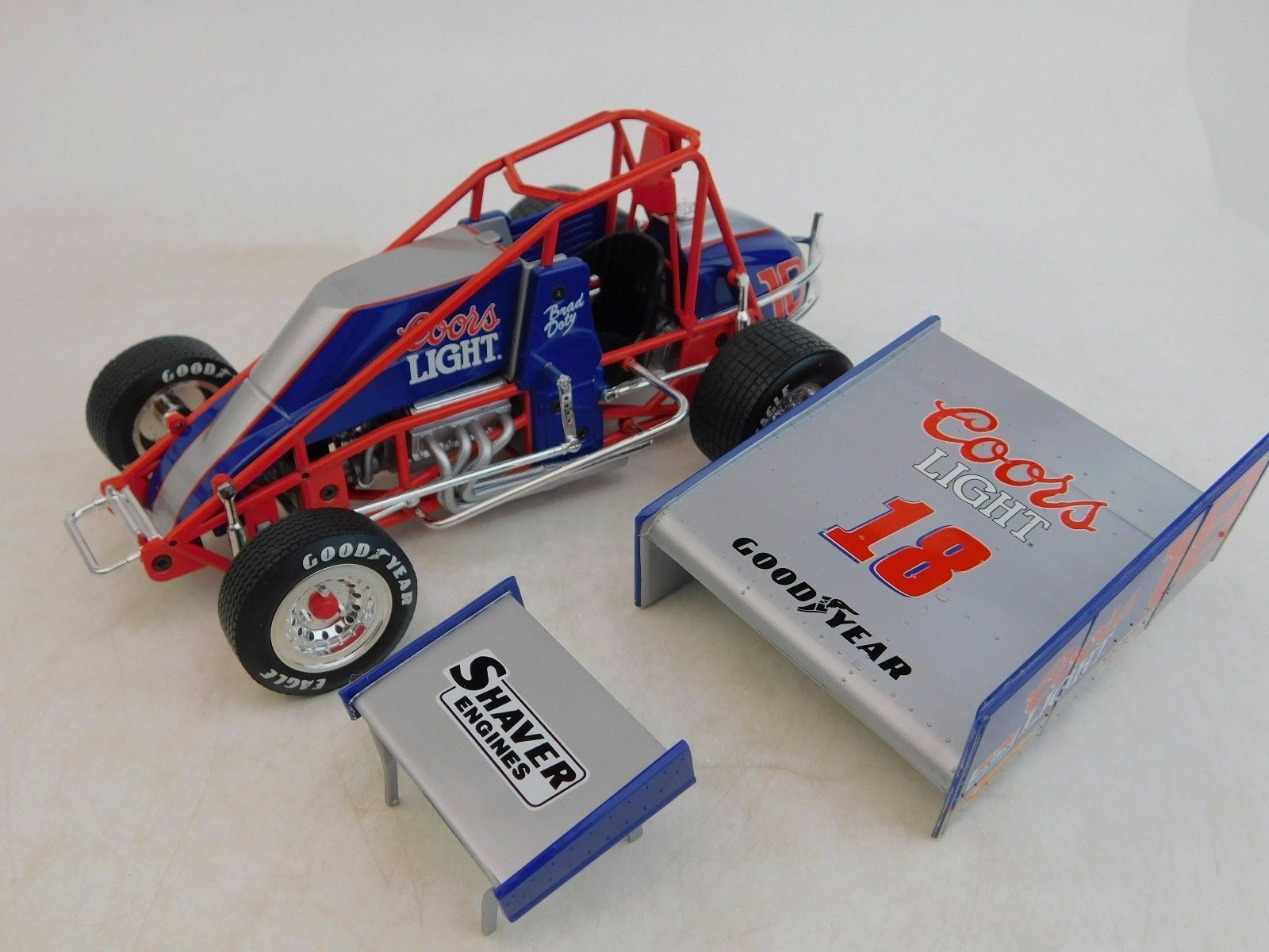 BRAD DOTY COORS LIGHT RACING RACING RACING DIRT SPRINT CAR GMP 1 18 WORLD OF OUTLAWS DIECAST dbe720