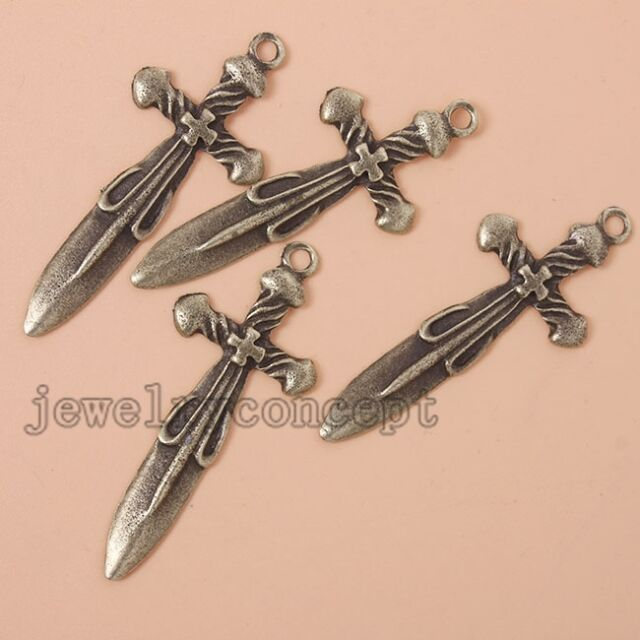 10/50x Hot Antique Bronze/Retro Silver Tone Alloy Sword Shape Charms Pendants J