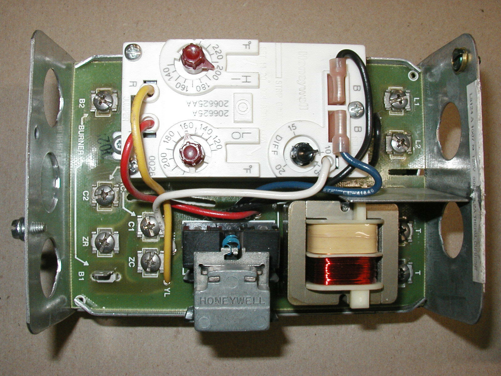 Triple Aquastat Relay L8124a C Price Wiring Diagram Honeywell