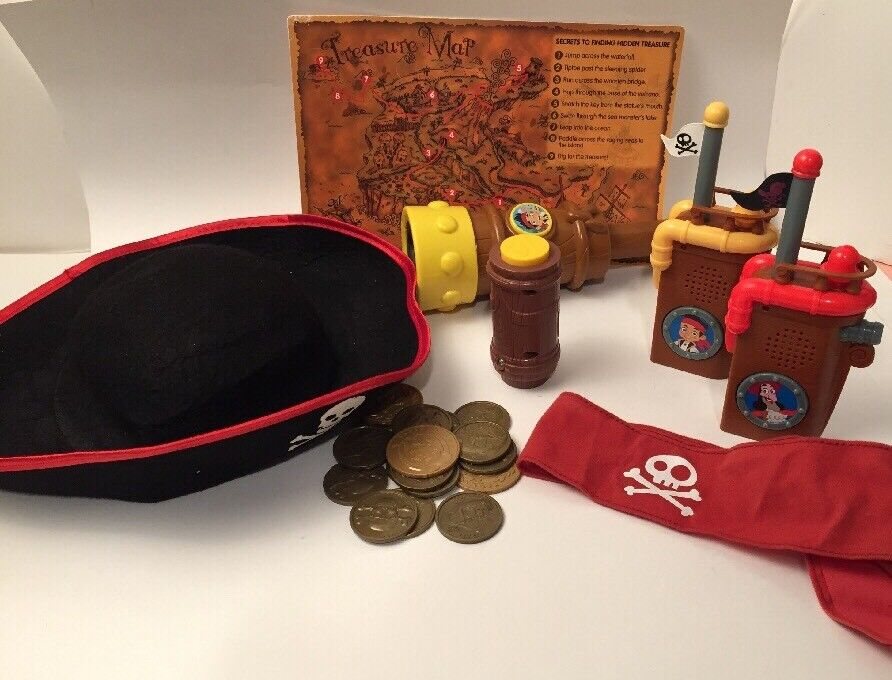 Jake and the Never Land Pirates Costume Accessory Set Spyglass radios map coins