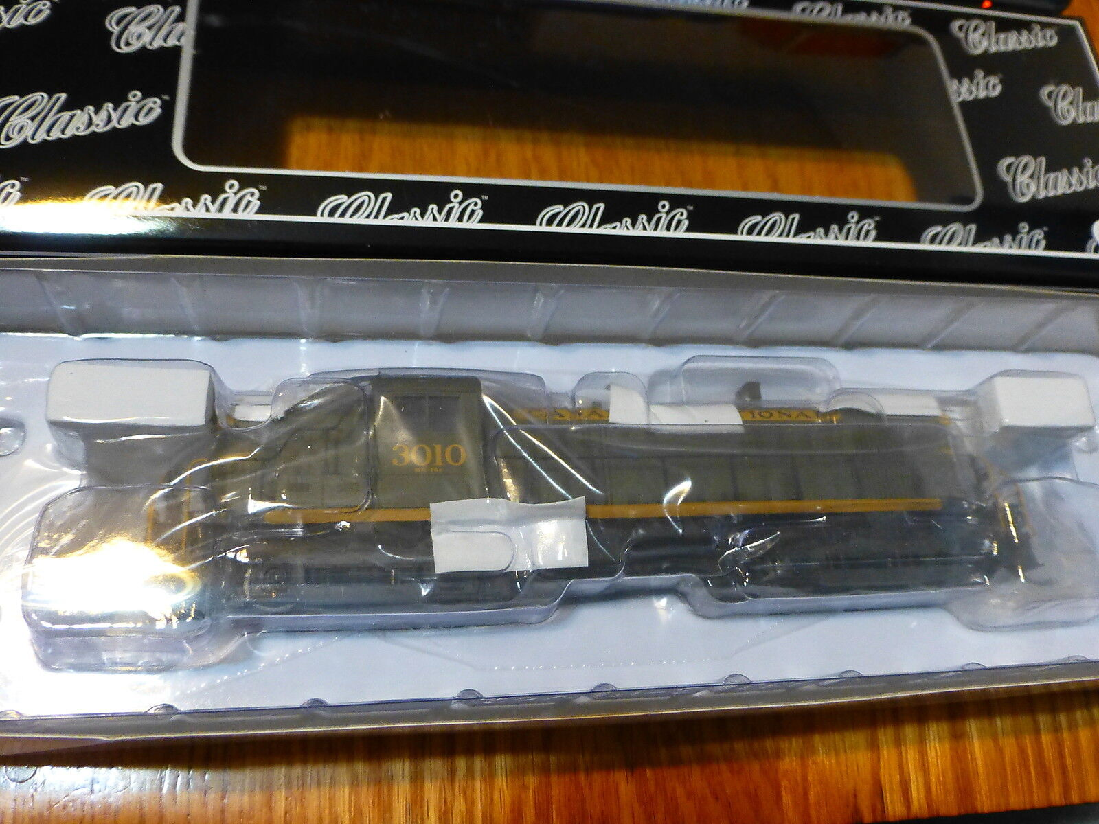 Atlas HO  10001292 Alco RS3 - Standard DC - Canadian National  3001 MEW