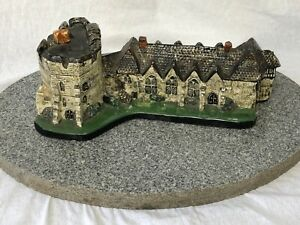 Vintage-Pottery-Model-Of-Famous-Stokesay-Castle-Shropshire-On-Granite-Base