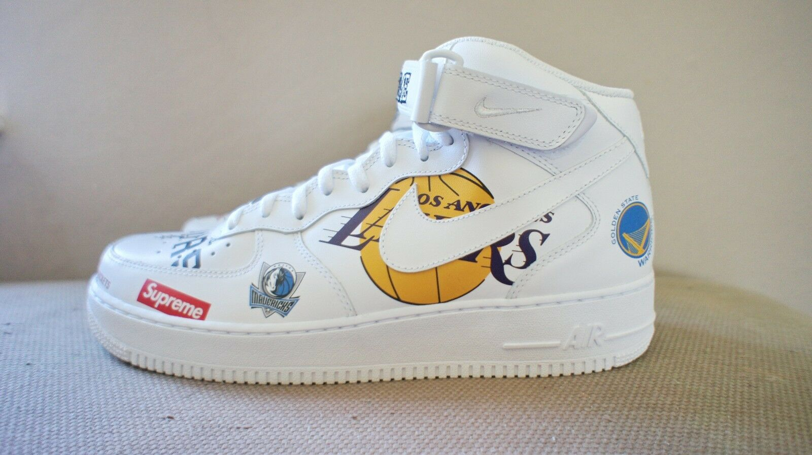 New DS Nike x Supreme x NBA Air Force Force Force 1 Mid '07 blanc Hommes sz 10.5 11 11.5 or 12 98f0c5