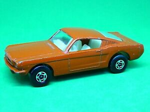 Matchbox-Lesney-Superfast-No-8e-Ford-Mustang-Fastback-naranja-rojo