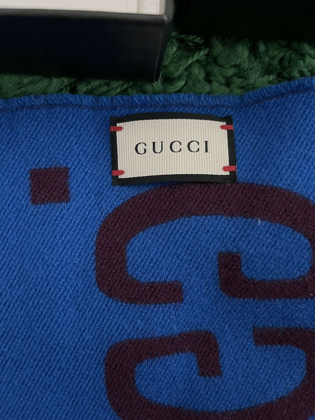 Gucci GG jacquard wool silk scarf - image 2