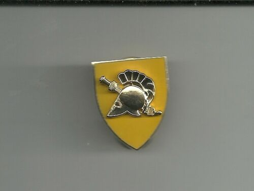 ARMY WEST POINT ACADEMY SOPHMORE  CADET YELLOW PIN