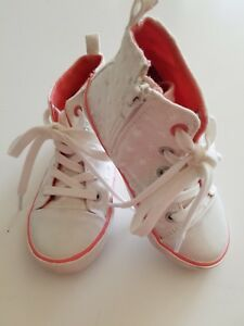 88d7c7241ef Girls size 9 White pink Old Navy high top sneakers tennis shoes